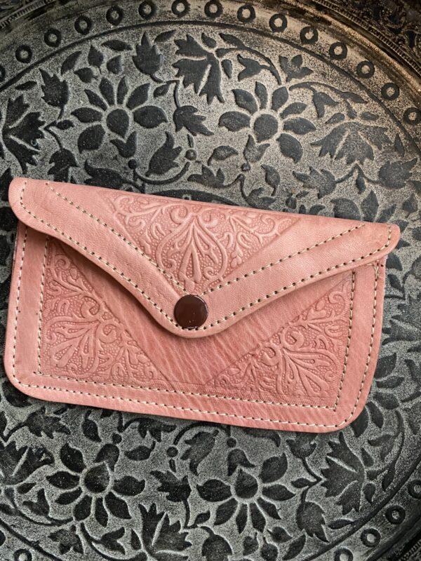 licht roze portemonnee